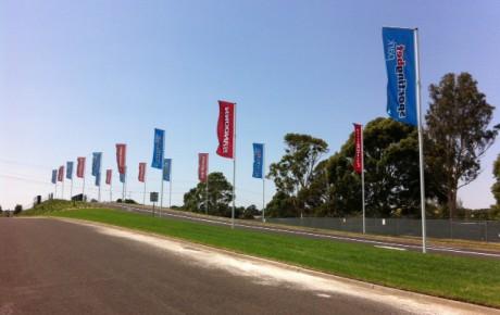 E & E Sandown flagpoles
