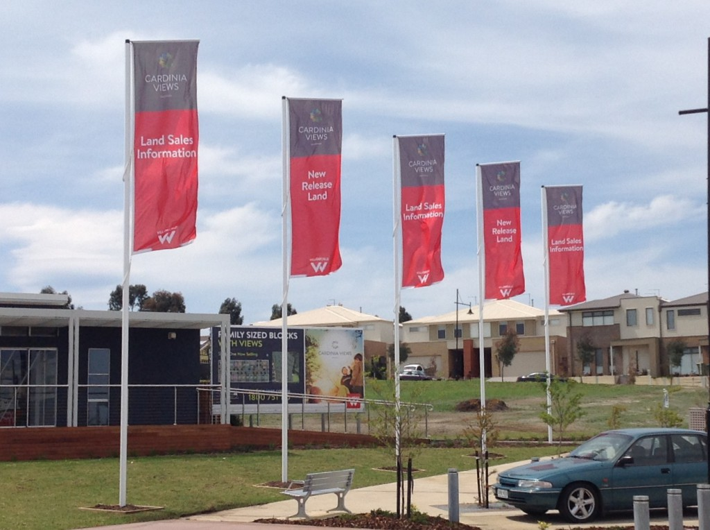 Pakenham flags